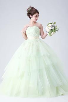 白ドレスorカラードレス